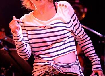 中村あゆみがデビューライブを行った思い出の地、新宿ルイードで熱唱…7年ぶりのアルバム「AYUMI ON!」発売記念ライブ