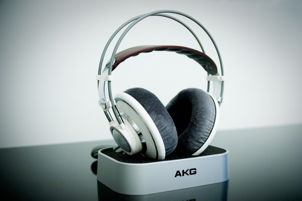AKG_701_by_Mellikki