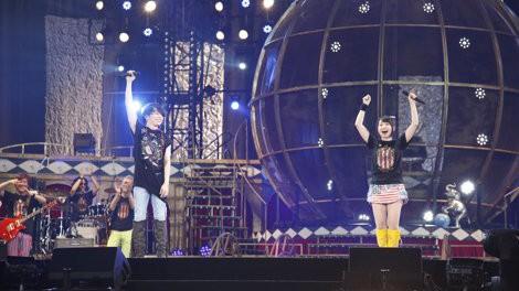 水樹奈々、3年ぶりの西武ドーム2DAYSライブで熱唱! スペシャルゲストの日笠陽子&TMR西川貴教との共演も
