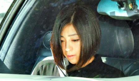 宇多田ヒカル (゚ロ゚)「出て行けババァ」 → 藤圭子 J( 'ー`)し「さよなら・・・」