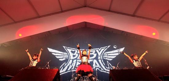 【画像】We are BABYMETAL!アイドル界のダークヒロインが初見参ROCK IN JAPAN FES.2013で強烈なインパクトを残し嵐のように駆け抜ける
