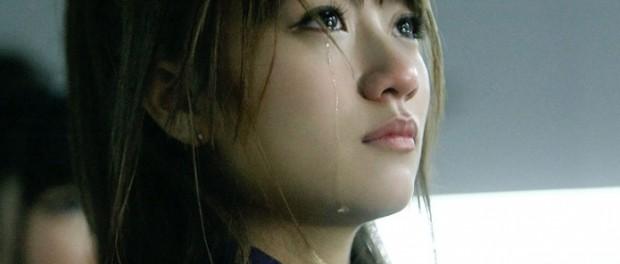 感動する歌とか聞いて泣いたりする女