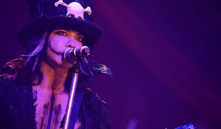 【動画】VAMPS主宰『HALLOWEEN PARTY 2013』でTERU・TAKURO(GLAY)×HYDEの「誘惑」が実現!@ラルヲタの反応【画像】