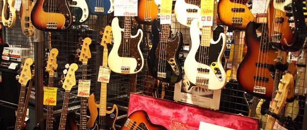 おまえら楽器屋でギター試奏するとき何弾いてるの?