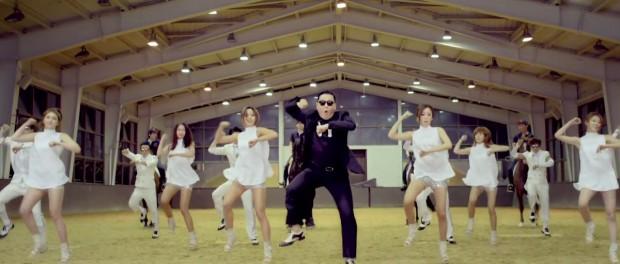 天皇がK-POPにハマったらどうなるの?