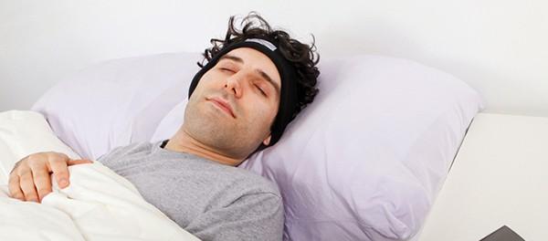 寝る時にイヤホンしたまま寝る奴おるかい?