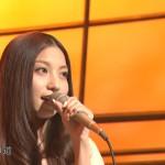 Rihwa、中居・リリーの前でデビュー前の名曲「なぞれ」弾き語り(Sound Room Rihwa なぞれ 春風 動画 画像あり)