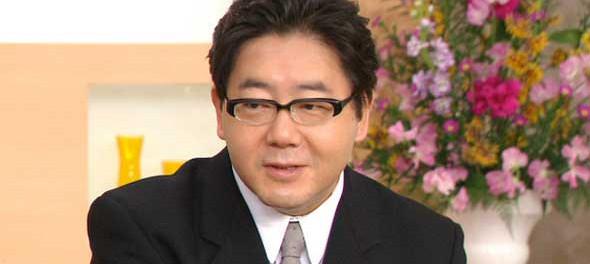 秋元康氏の年収 100億円に近づく?