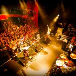 VAMPS、今年3月のロンドン公演を早くも映像化 『VAMPS LIVE 2014:LONDON』6月25日リリース決定!特典映像別の2形態 「WORLD'S END」も収録