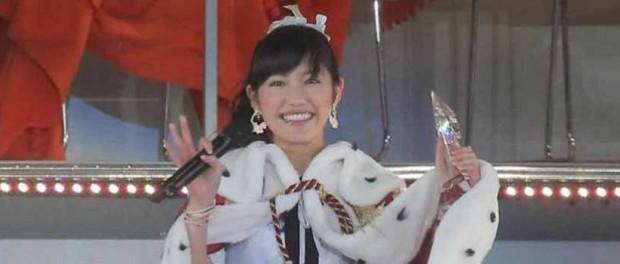 AKB48総選挙1位、まゆゆこと渡辺麻友のセンター曲のタイトルが「心のプラカード」に決定(8月27日発売)