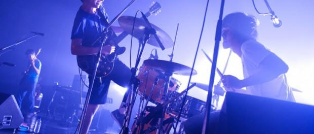 andymori、7月27日Zepp Tokyoでのラストワンマンライブで32曲演奏