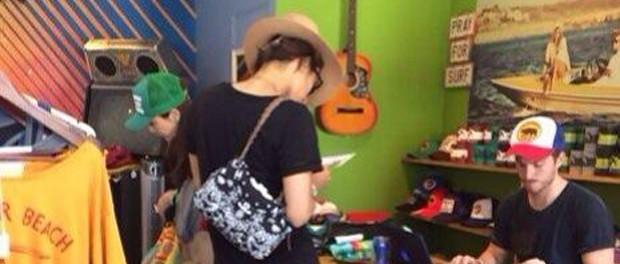 キスマイ藤ヶ谷太輔、ロスで目撃される 肩にはレディースのバッグ、隣には女性・・・ジャニヲタの間で物議を醸す(画像あり)