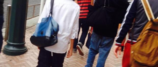 ジャニーズJr.の岩橋玄樹・岸優太・神宮寺勇太、渋谷で女子高生に追いかけられ逃げるwwwww 握手対応も その後、井の頭線で吉祥寺に移動(盗撮画像あり)