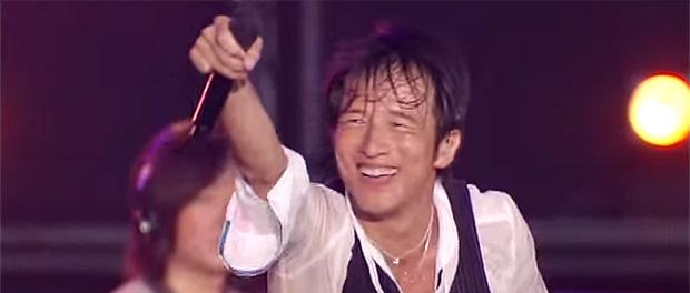 ライブで客にマイク向ける歌手wwwwwwwwwwwwwwww