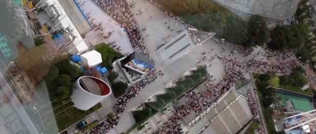 【衝撃画像】SMAPコンサートのグッズ列がやばすぎるwwwwww グッズ購入に4、5時間とかどこの超人気アトラクションだよ・・・