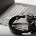 【朗報】仕事中に音楽を聴くと作業効率が上がるらしい!やったなおまいら!!!\(^0^)/