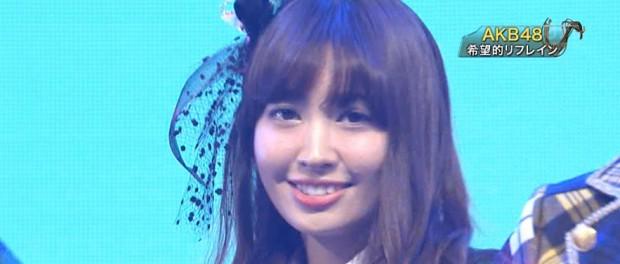 【悲報】「ベストヒット歌謡祭2014」に出てたAKB48小嶋陽菜さんの肌荒れがやばすぎる件(画像あり)