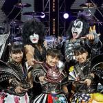 ももクロとKISSがコラボしてCD出すってよwwwwwww 2015年3月3日に東京ドームで行われる来日公演ファイナルにももクロが出演することも決定