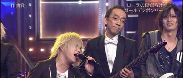 2014年レコード大賞でゴールデンボンバーとゴーストライター新垣隆さんがまさかの共演wwwww野々村議員のモノマネも披露wwwwww(画像・動画あり)