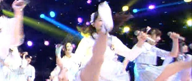 SKE48松井玲奈の靴がMステで新曲披露中に宙を舞う事案 ファンから「出世する前兆」といわれ「本当ならいいなー」(画像あり)