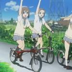 さっきイヤホンして歌いながら自転車乗ってる奴いた