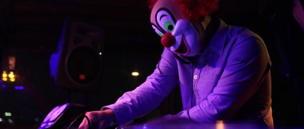 セカオワのピエロの素顔が判明wwwww DJ LOVEはダンプ松本似のオタク