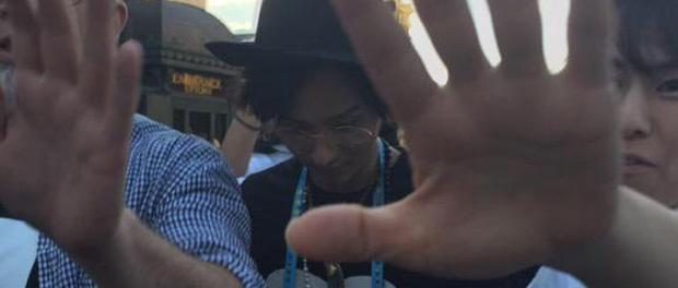 キスマイ藤ヶ谷太輔、USJで目撃される 舞台「TAKE FIVE」の出演者と一緒に一時のオフを楽しんでいたようだが、次第に人が集まりだし、身動きが取れない状態に(画像あり)