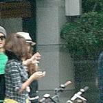 B'z稲葉浩志夫妻とSMAP木村拓哉・工藤静香夫妻が、揃ってカフェから出てきたところを激写される!!!これは豪華なショットやで(画像あり)