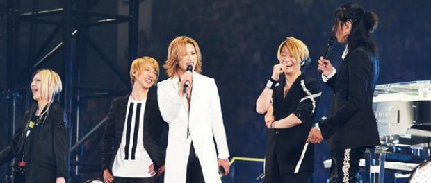 GLAY20周年東京ドームライブにYOSHIKI参上!!YOSHIKIのピアノにのせ「RAIN」を披露した