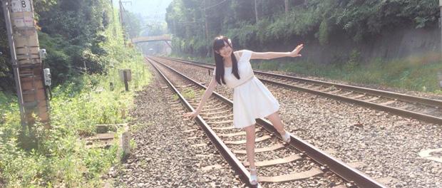 名古屋アイドル「あぃ♡かちゅ」のメンバー木崎未優さんが線路内立ち入りし記念撮影 → 炎上wwwwww