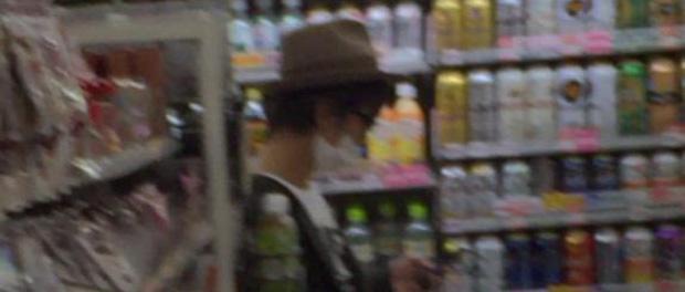 【目撃情報】Kis-My-Ft2のキタミツこと北山宏光さん、恵比寿のローソンでお買い物 握手に応じるファンサービスも(画像あり)