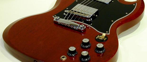 インテリアと化していたギターを久しぶりにを弾いたら音が鳴らない…助けてくれ