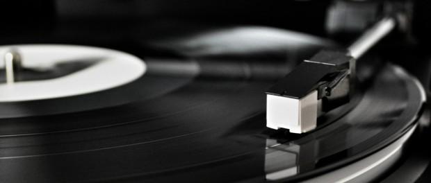 アナログレコードの人気がじわりと復活・・・温かみのある音色が見直され若年層にも愛好者広がる