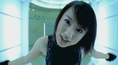 【悲報】鈴木亜美(33)、劣化 全盛期アミーゴのオーラが無くなる