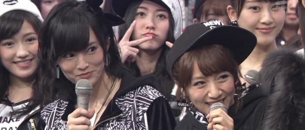 AKB48、Mステで共演したKISSからピックやスティックをプレゼントされる・・・これは羨ましい