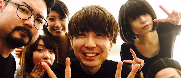 【朗報】ゲス川谷、ノーダメージ 笑顔でダブルピース