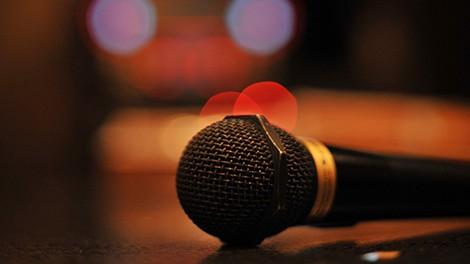 カラオケで歌いたいけど歌えない曲wwwwwww