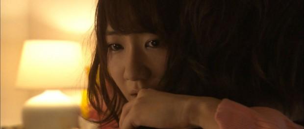 【悲報】柏木由紀さん、男に抱きつかれる(画像あり)