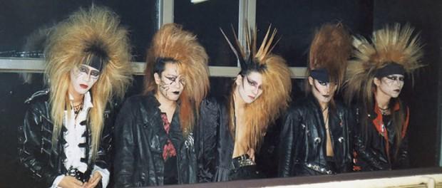 昔のバンド名「GLAY」「LUNA SEA」「L'Arc~en~Ciel」「BUCK-TICK」「X」