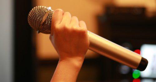 カラオケで洋楽しか歌わないけど、どんな印象?