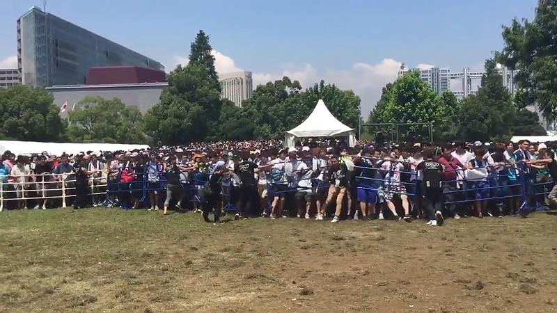欅坂46 TIF2016 キモヲタ 柵 破壊 00