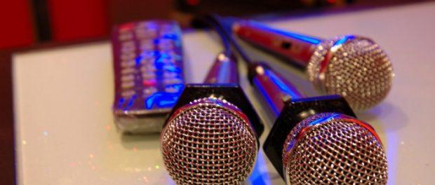 歌が下手なやつでもカラオケで良い感じに歌える曲教えてくれ!!!