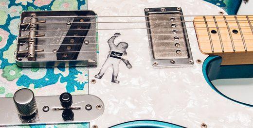 ミスチル桜井和寿、ギター「ブルーフラワー」をオークションに出品 熊本地震のチャリティー