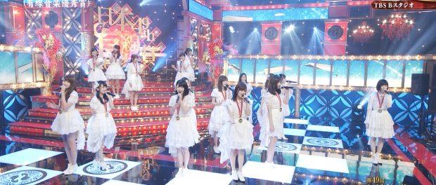 有線大賞で島崎遥香だけポツンと離れた場所で歌ってたんだが?