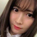 【エンタメ画像】《朗報》小嶋陽菜【28歳】のユニフォーム姿、余裕
