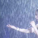 大雨の中ライブをする水樹奈々がかっこいい