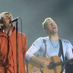 追悼チャリティーライブ「One Love Manchester」にリアム・ギャラガーがサプライズ出演 Coldplayのクリス・マーティンとOasis曲を奇跡の共演(動画あり)