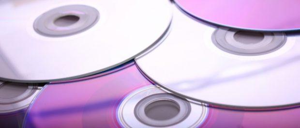 おまえらなんでCD買わないの? シングルCD5457万枚 ダウンロード1億229万