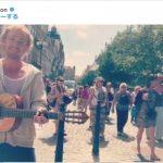 【悲報】マルフォイ、路上でギター弾き語りするも誰一人気付かず