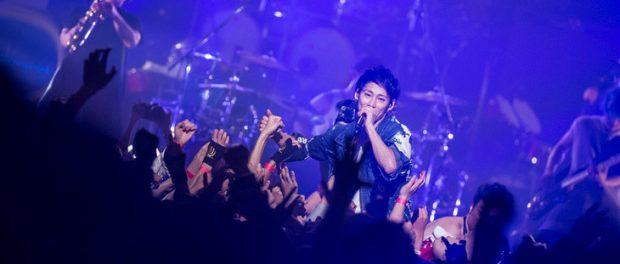 UVERworldのTAKUYA∞、ライブ中とばした靴がファンの目に当たり怪我させる …大丈夫かコレ